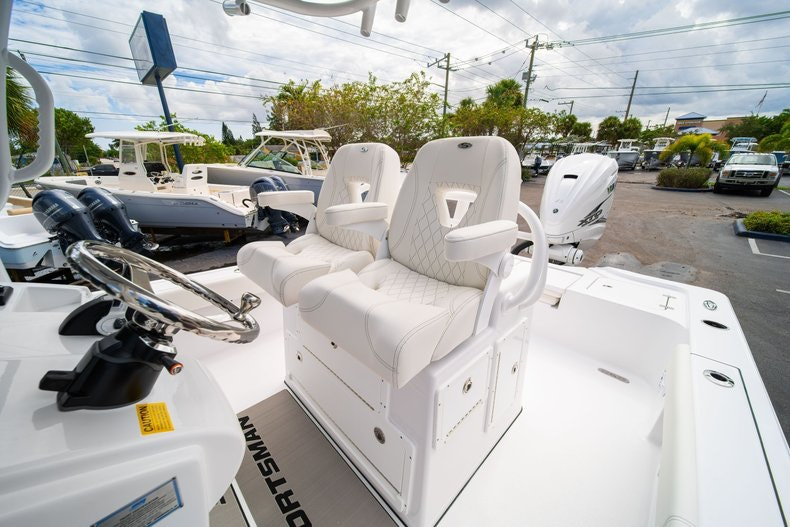 Thumbnail 32 for New 2020 Sportsman Masters 267OE Bay Boat boat for sale in West Palm Beach, FL