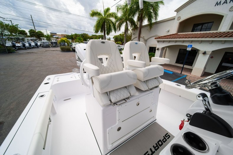 Thumbnail 29 for New 2020 Sportsman Masters 267OE Bay Boat boat for sale in West Palm Beach, FL