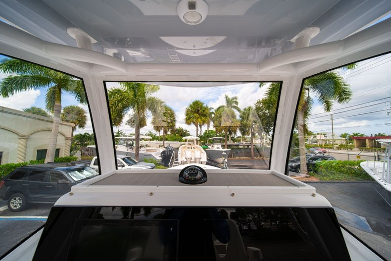 Thumbnail 27 for New 2020 Sportsman Masters 267OE Bay Boat boat for sale in West Palm Beach, FL