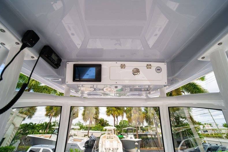 Thumbnail 26 for New 2020 Sportsman Masters 267OE Bay Boat boat for sale in West Palm Beach, FL