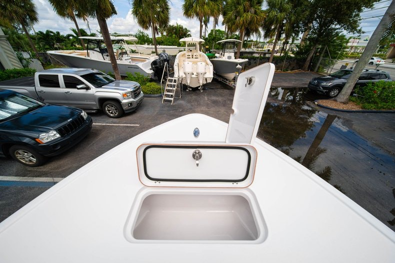 Thumbnail 38 for New 2020 Sportsman Masters 267OE Bay Boat boat for sale in West Palm Beach, FL