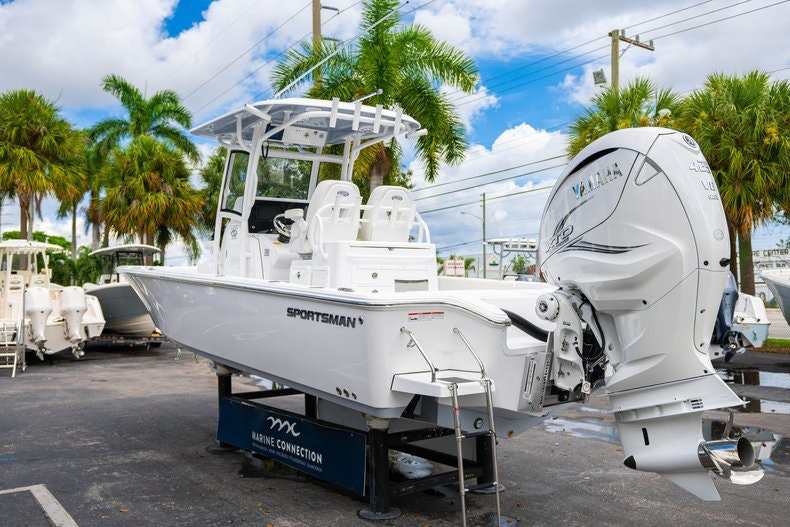 Thumbnail 5 for New 2020 Sportsman Masters 267OE Bay Boat boat for sale in West Palm Beach, FL
