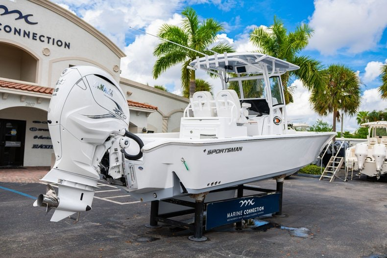 Thumbnail 7 for New 2020 Sportsman Masters 267OE Bay Boat boat for sale in West Palm Beach, FL