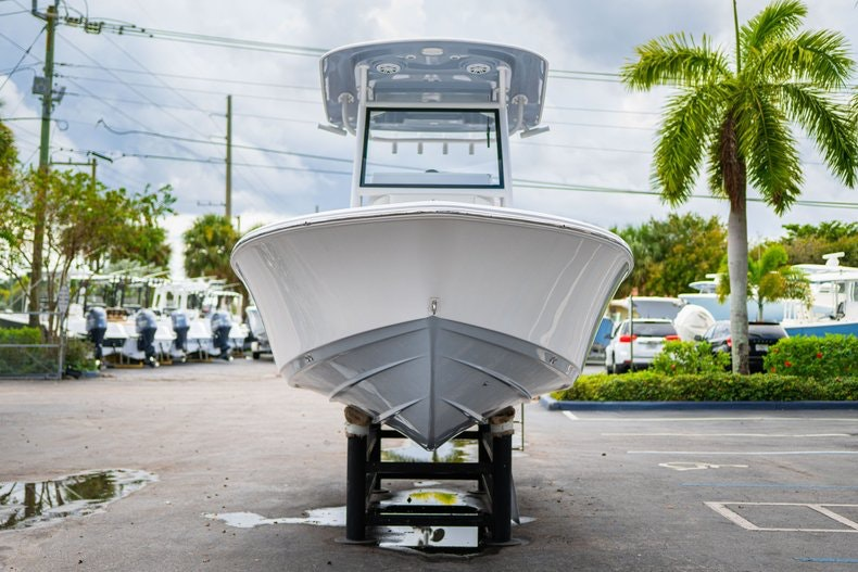 Thumbnail 2 for New 2020 Sportsman Masters 267OE Bay Boat boat for sale in West Palm Beach, FL