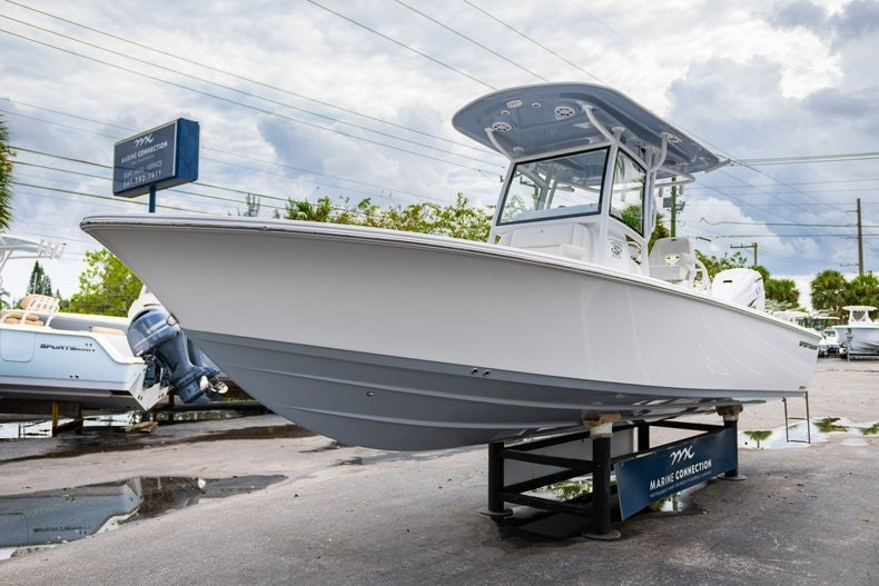 Thumbnail 3 for New 2020 Sportsman Masters 267OE Bay Boat boat for sale in West Palm Beach, FL