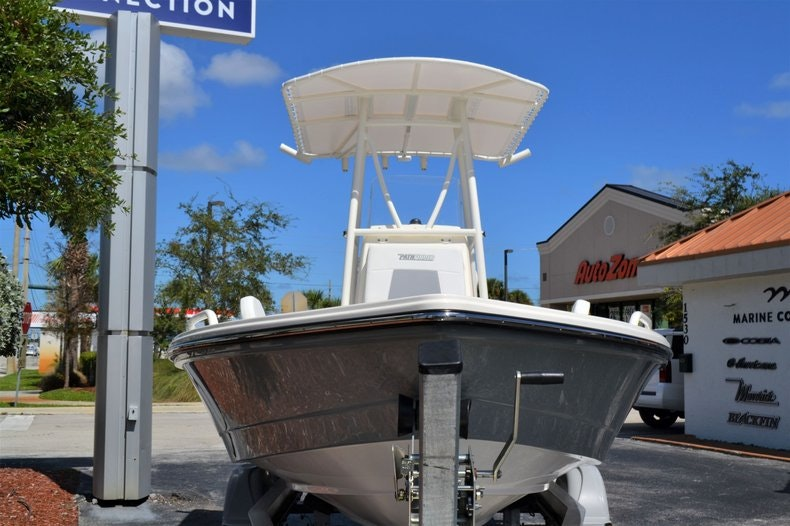 Thumbnail 2 for New 2020 Pathfinder 2200 TRS Bay Boat boat for sale in Fort Lauderdale, FL