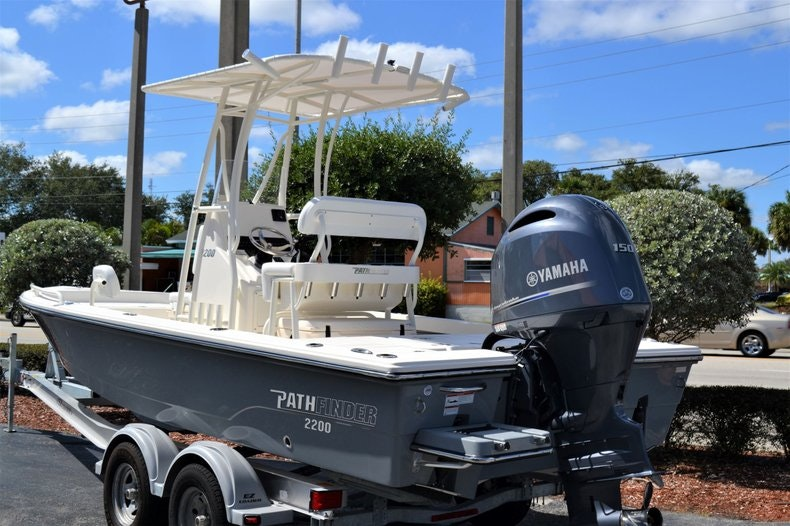Thumbnail 3 for New 2020 Pathfinder 2200 TRS Bay Boat boat for sale in Fort Lauderdale, FL