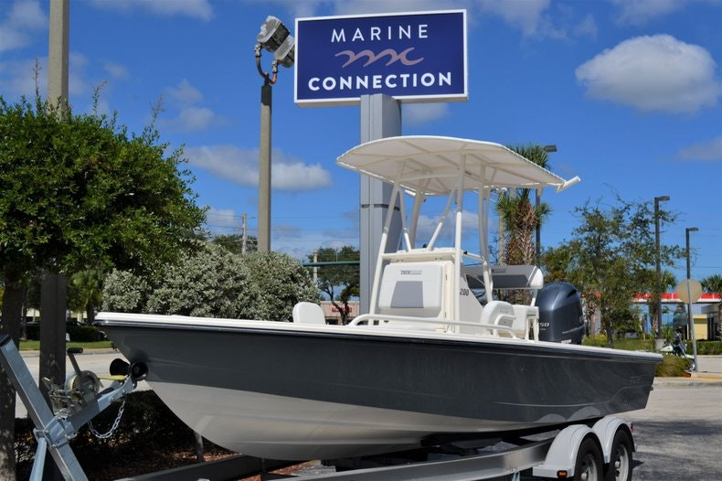 Thumbnail 1 for New 2020 Pathfinder 2200 TRS Bay Boat boat for sale in Fort Lauderdale, FL