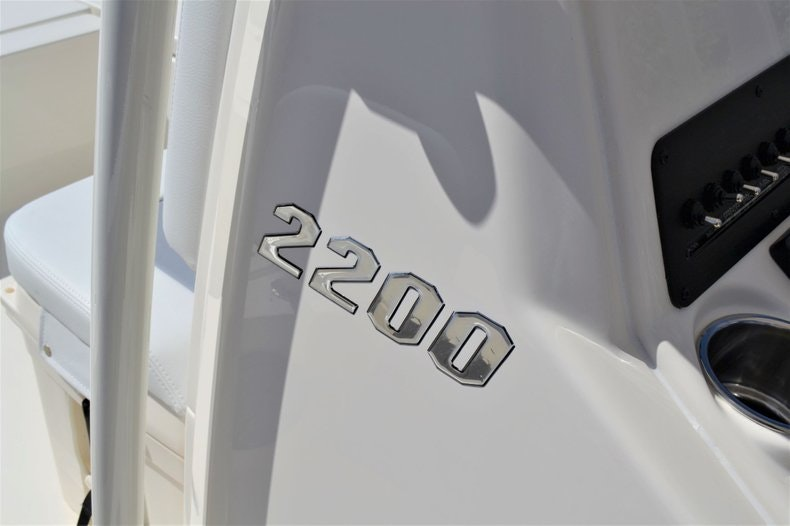Thumbnail 12 for New 2020 Pathfinder 2200 TRS Bay Boat boat for sale in Fort Lauderdale, FL