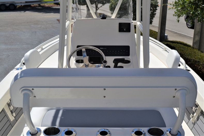 Thumbnail 9 for New 2020 Pathfinder 2200 TRS Bay Boat boat for sale in Fort Lauderdale, FL