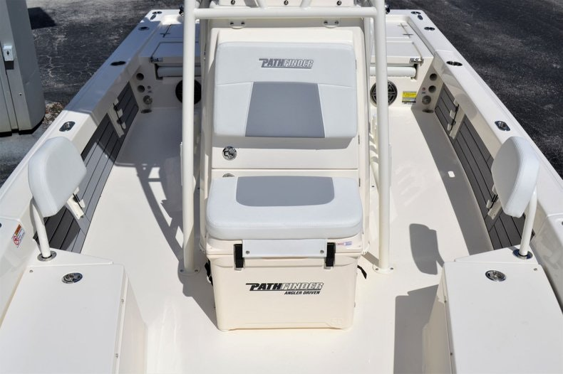 Thumbnail 14 for New 2020 Pathfinder 2200 TRS Bay Boat boat for sale in Fort Lauderdale, FL