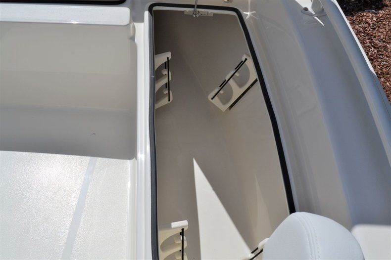 Thumbnail 16 for New 2020 Pathfinder 2200 TRS Bay Boat boat for sale in Fort Lauderdale, FL