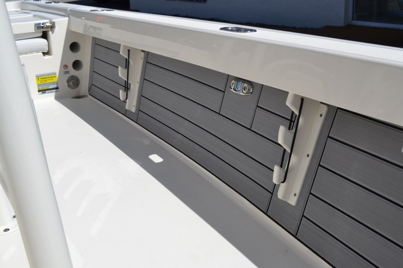 Thumbnail 20 for New 2020 Pathfinder 2200 TRS Bay Boat boat for sale in Fort Lauderdale, FL