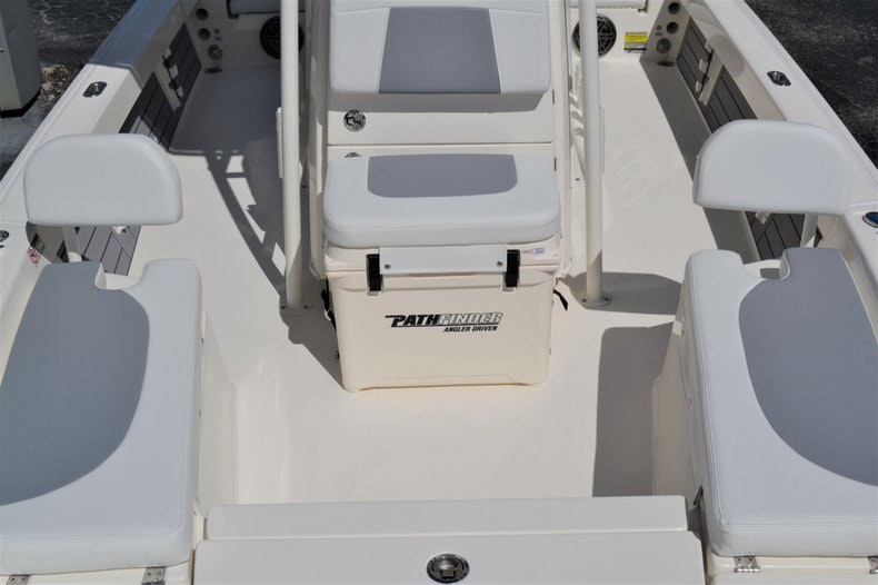 Thumbnail 18 for New 2020 Pathfinder 2200 TRS Bay Boat boat for sale in Fort Lauderdale, FL