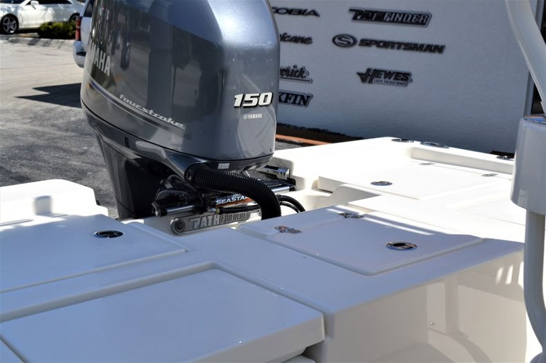 Thumbnail 24 for New 2020 Pathfinder 2200 TRS Bay Boat boat for sale in Fort Lauderdale, FL