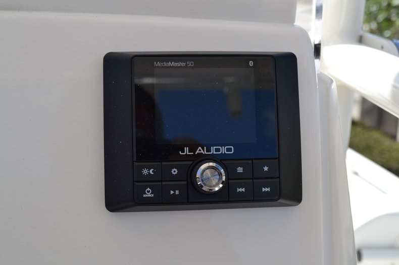 Thumbnail 31 for New 2020 Pathfinder 2200 TRS Bay Boat boat for sale in Fort Lauderdale, FL