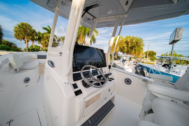 Thumbnail 33 for New 2020 Cobia 301 CC boat for sale in West Palm Beach, FL