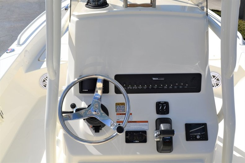 Thumbnail 12 for New 2020 Pathfinder 2600 TRS Bay Boat boat for sale in Vero Beach, FL