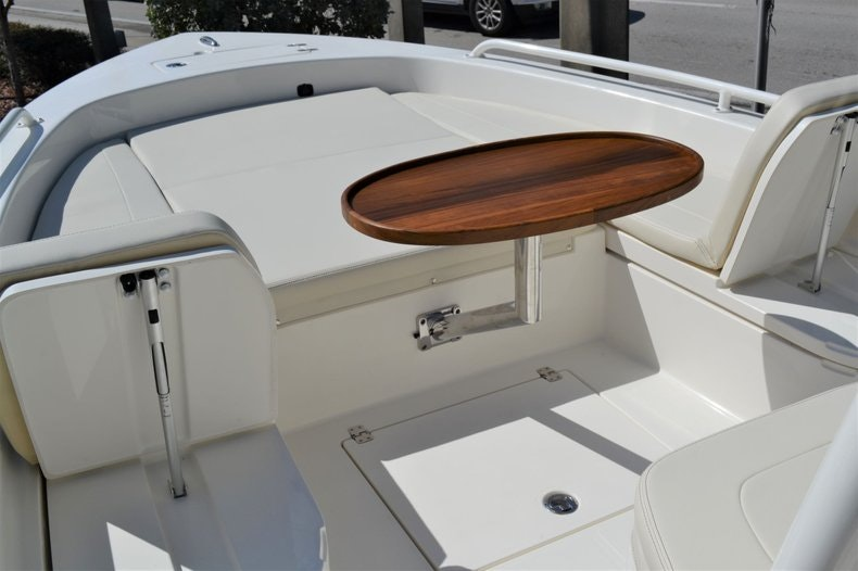 Thumbnail 16 for New 2020 Pathfinder 2600 TRS Bay Boat boat for sale in Vero Beach, FL