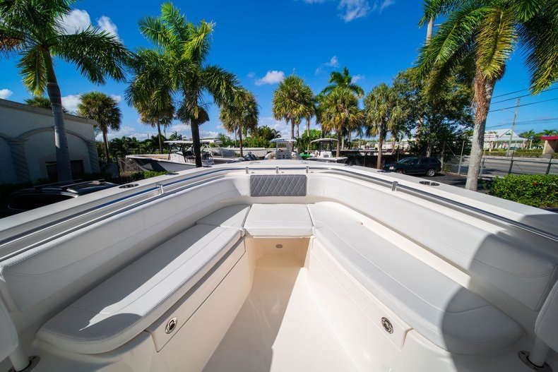 Thumbnail 31 for New 2020 Cobia 262 CC boat for sale in West Palm Beach, FL