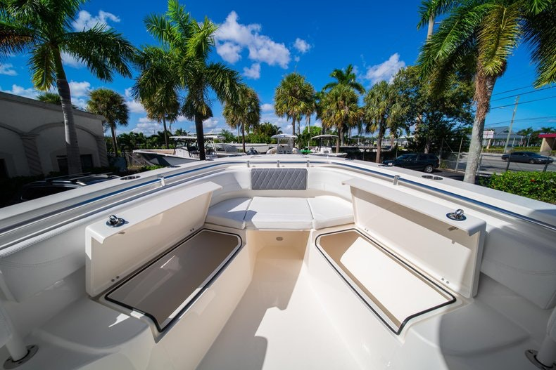 Thumbnail 32 for New 2020 Cobia 262 CC boat for sale in West Palm Beach, FL