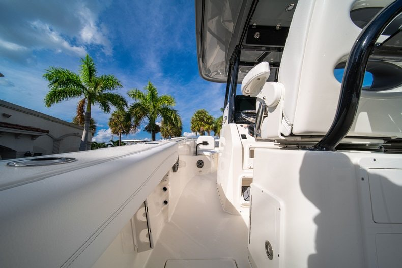 Thumbnail 18 for New 2020 Cobia 262 CC boat for sale in West Palm Beach, FL