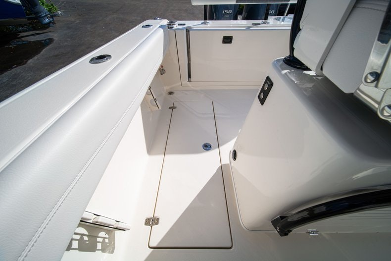 Thumbnail 16 for New 2020 Cobia 262 CC boat for sale in West Palm Beach, FL
