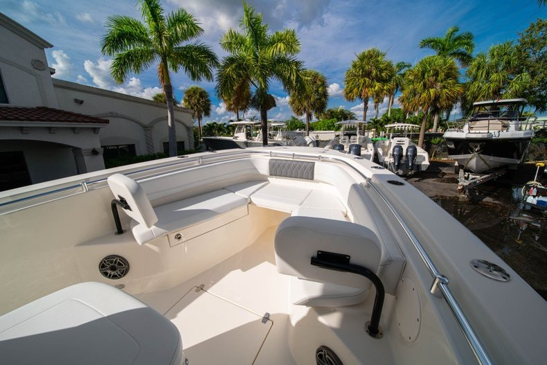 Thumbnail 30 for New 2020 Cobia 262 CC boat for sale in West Palm Beach, FL