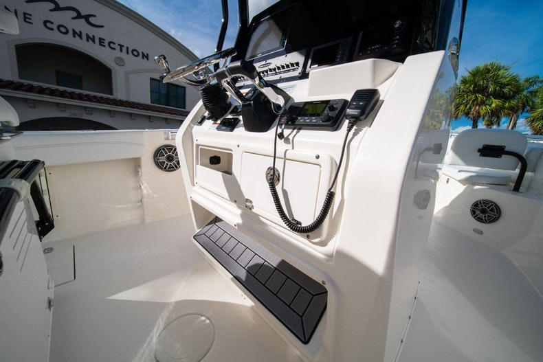 Thumbnail 20 for New 2020 Cobia 262 CC boat for sale in West Palm Beach, FL