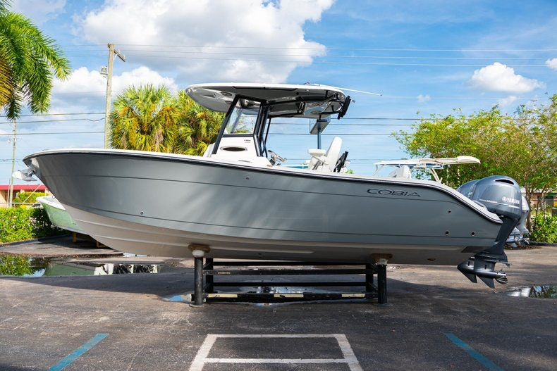 Thumbnail 4 for New 2020 Cobia 262 CC boat for sale in West Palm Beach, FL