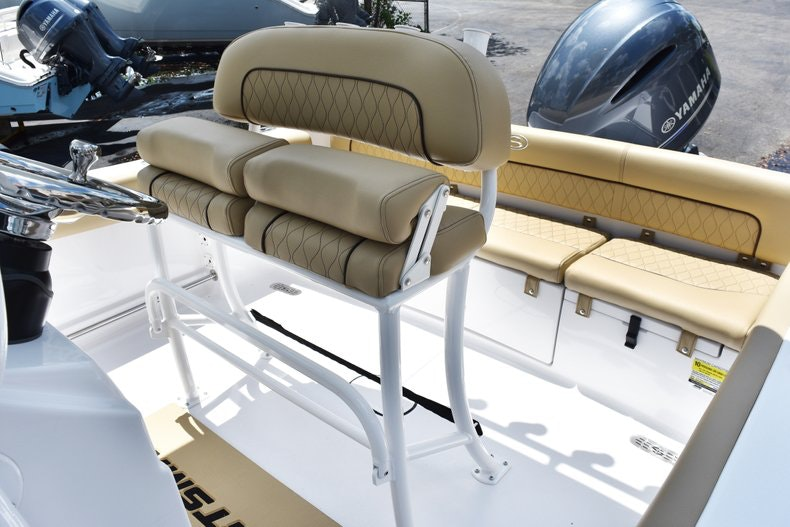 Thumbnail 19 for New 2019 Sportsman Heritage 211 Center Console boat for sale in Vero Beach, FL
