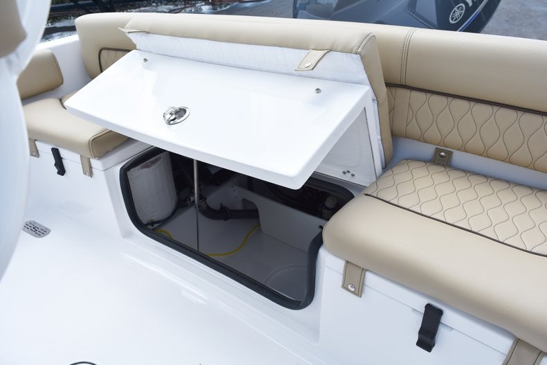Thumbnail 15 for New 2019 Sportsman Heritage 211 Center Console boat for sale in Vero Beach, FL