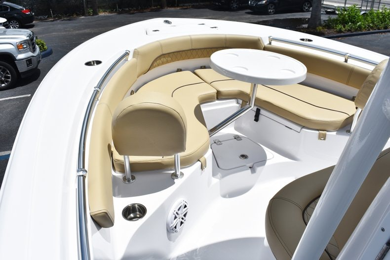 Thumbnail 36 for New 2019 Sportsman Heritage 211 Center Console boat for sale in Vero Beach, FL