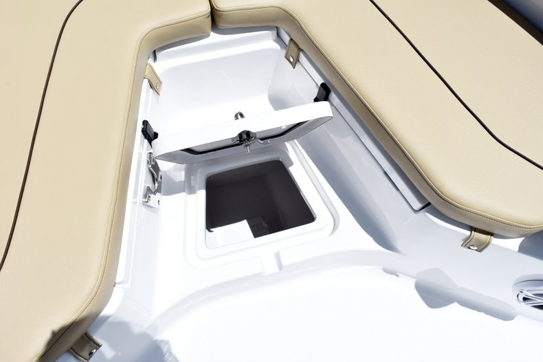 Thumbnail 40 for New 2019 Sportsman Heritage 211 Center Console boat for sale in Vero Beach, FL