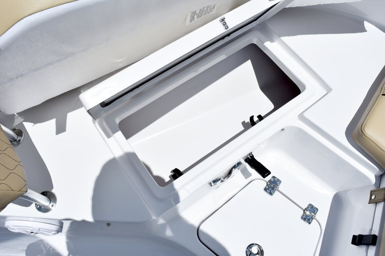Thumbnail 41 for New 2019 Sportsman Heritage 211 Center Console boat for sale in Vero Beach, FL