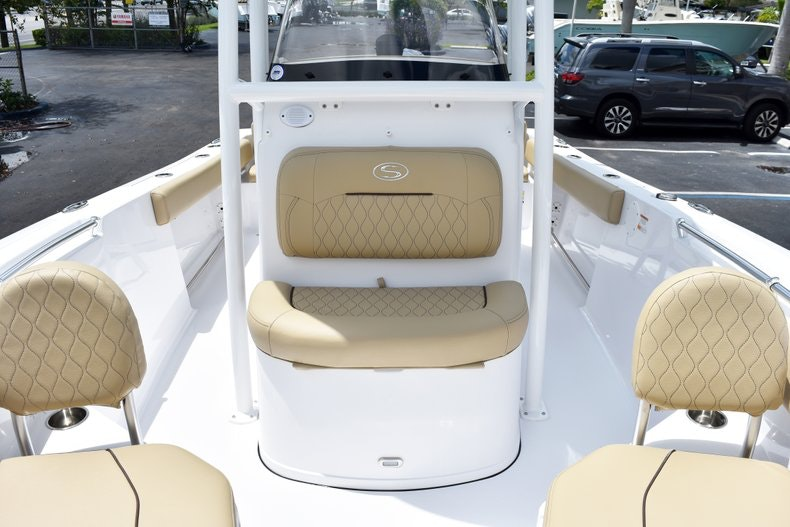 Thumbnail 37 for New 2019 Sportsman Heritage 211 Center Console boat for sale in Vero Beach, FL