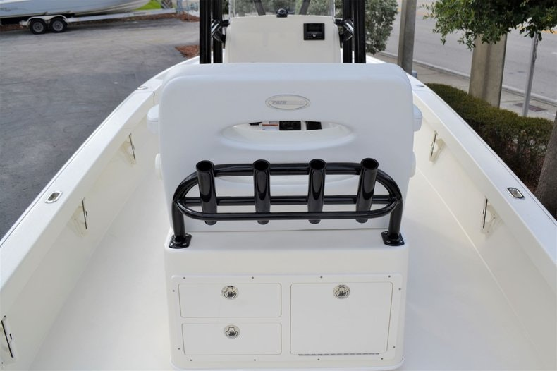 Thumbnail 10 for New 2020 Pathfinder 2500 Hybrid Bay Boat boat for sale in Fort Lauderdale, FL