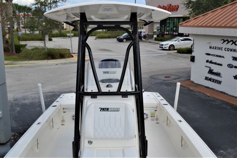 Thumbnail 17 for New 2020 Pathfinder 2500 Hybrid Bay Boat boat for sale in Fort Lauderdale, FL
