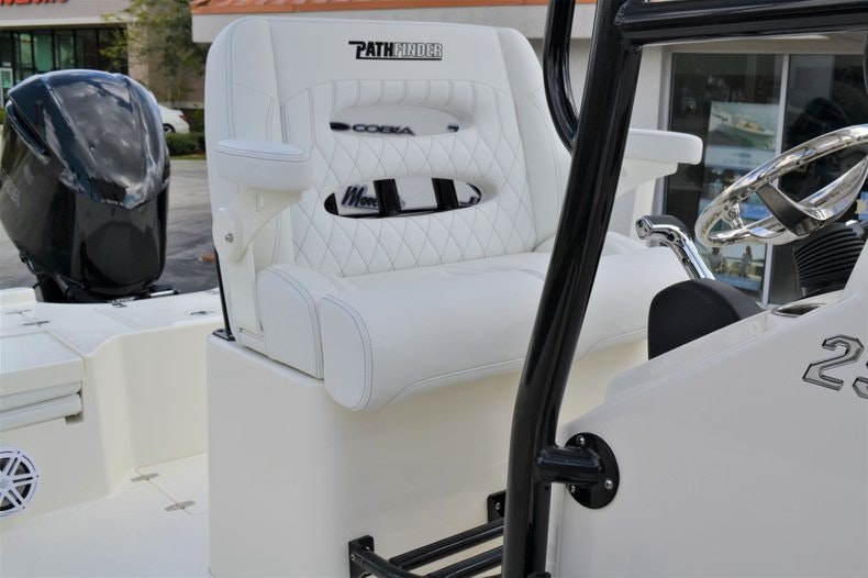Thumbnail 19 for New 2020 Pathfinder 2500 Hybrid Bay Boat boat for sale in Fort Lauderdale, FL