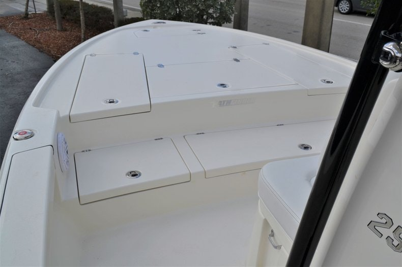 Thumbnail 12 for New 2020 Pathfinder 2500 Hybrid Bay Boat boat for sale in Fort Lauderdale, FL