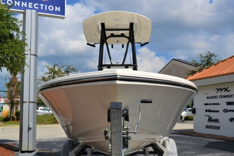 Thumbnail 2 for New 2020 Pathfinder 2500 Hybrid Bay Boat boat for sale in Fort Lauderdale, FL