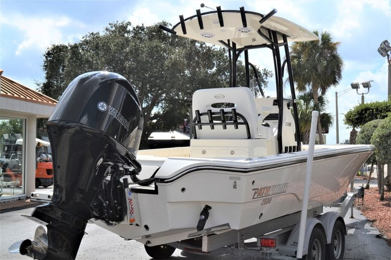 Thumbnail 5 for New 2020 Pathfinder 2500 Hybrid Bay Boat boat for sale in Fort Lauderdale, FL