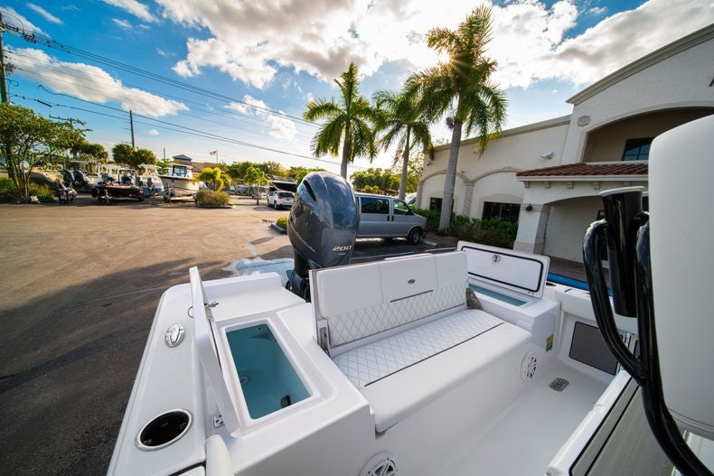 Thumbnail 10 for New 2020 Sportsman Masters 227 Bay Boat boat for sale in West Palm Beach, FL