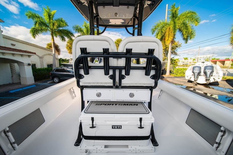 Thumbnail 13 for New 2020 Sportsman Masters 227 Bay Boat boat for sale in West Palm Beach, FL