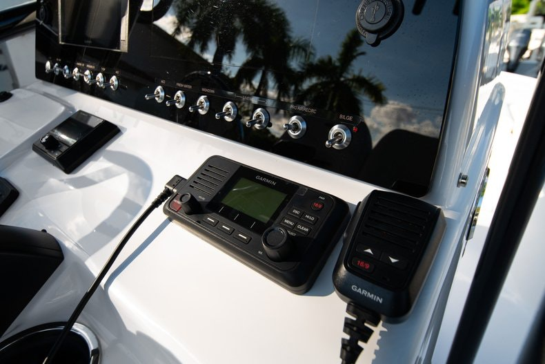 Thumbnail 18 for New 2020 Sportsman Masters 227 Bay Boat boat for sale in West Palm Beach, FL