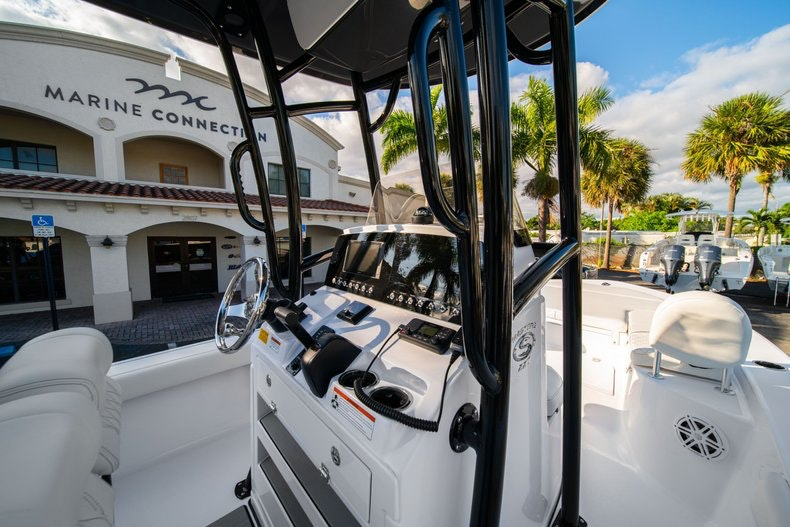 Thumbnail 17 for New 2020 Sportsman Masters 227 Bay Boat boat for sale in West Palm Beach, FL