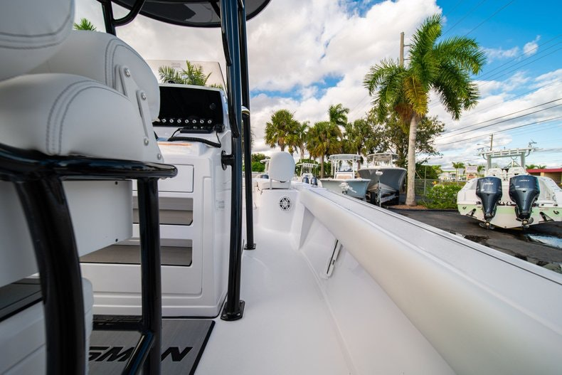 Thumbnail 15 for New 2020 Sportsman Masters 227 Bay Boat boat for sale in West Palm Beach, FL
