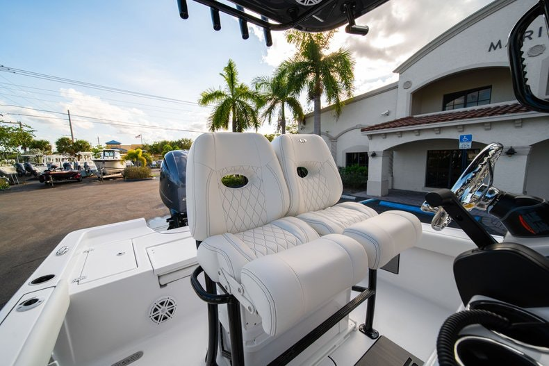Thumbnail 25 for New 2020 Sportsman Masters 227 Bay Boat boat for sale in West Palm Beach, FL