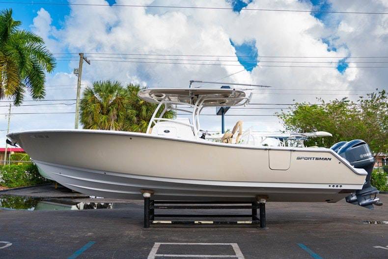 Thumbnail 4 for Used 2016 Sportsman 312 boat for sale in West Palm Beach, FL