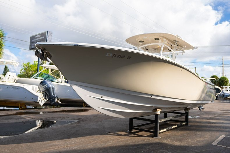 Thumbnail 3 for Used 2016 Sportsman 312 boat for sale in West Palm Beach, FL